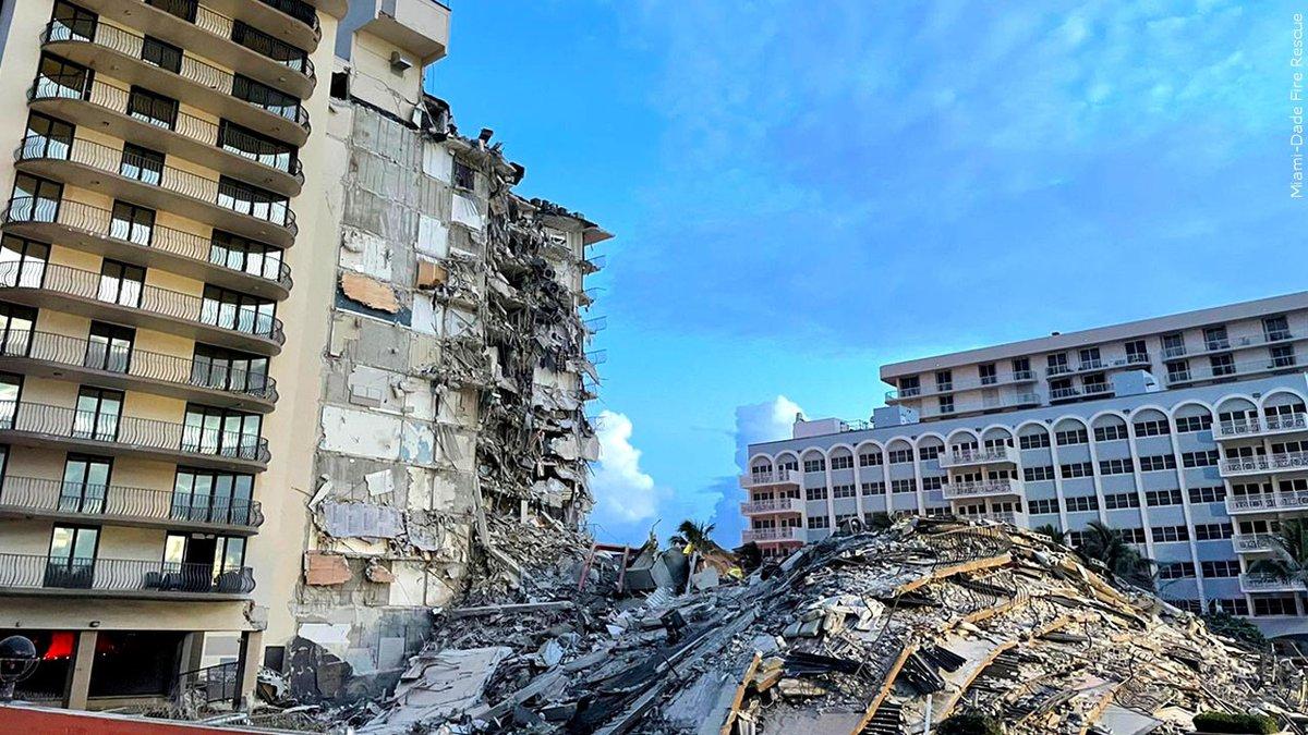 La búsqueda y el rescate están en curso en el colapso del edificio Surfside, Florida.